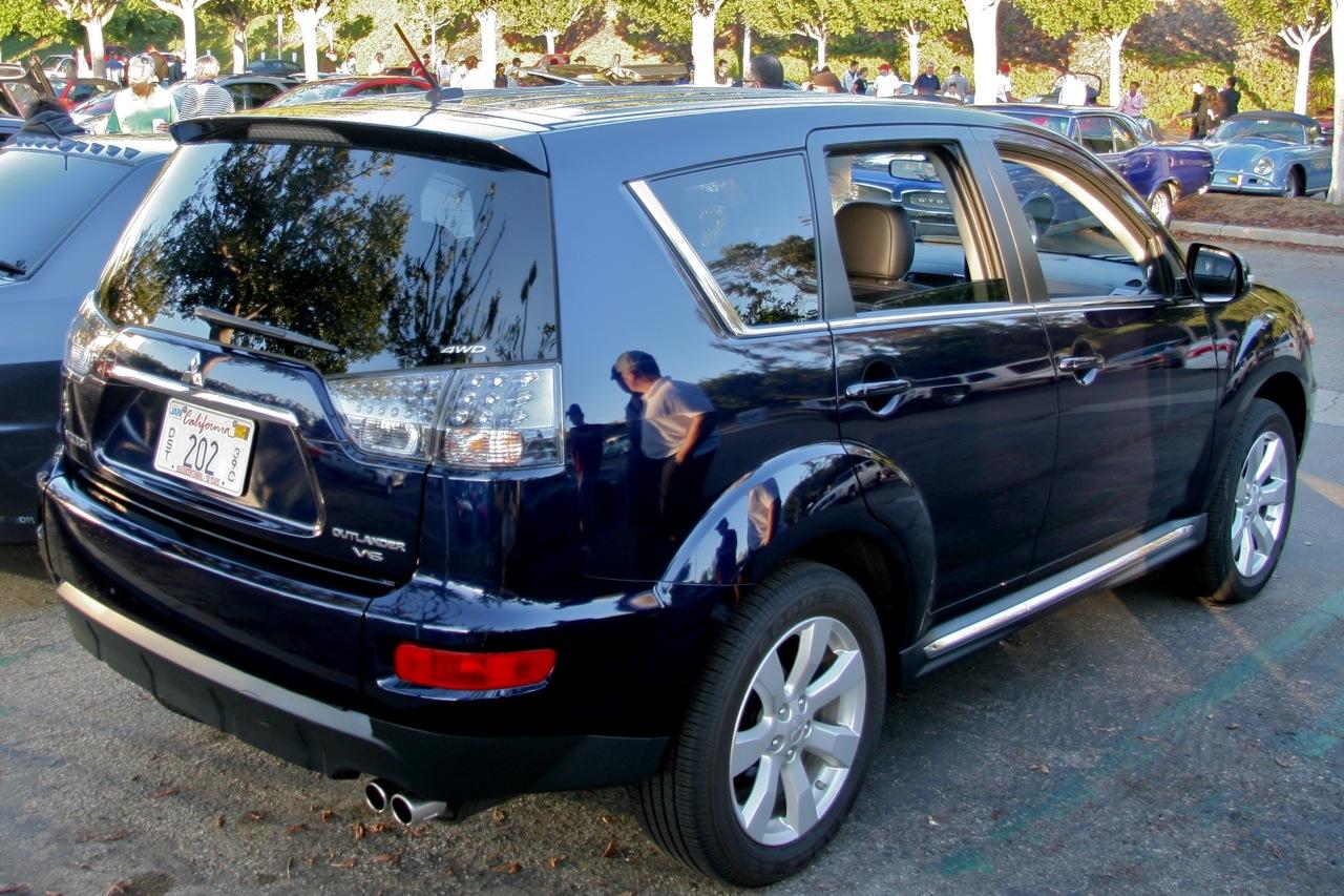 Name:  2010-Mitsubishi-Outlander-GT-Rear-View.jpg Views: 3878 Size:  413.7 KB