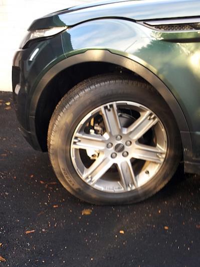 Name:  evoque-tyre2.jpg Views: 1460 Size:  33.2 KB
